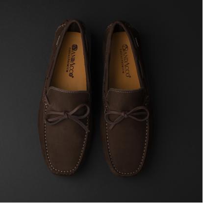 حذاء موكاسين بني داكن نوبوك 9819