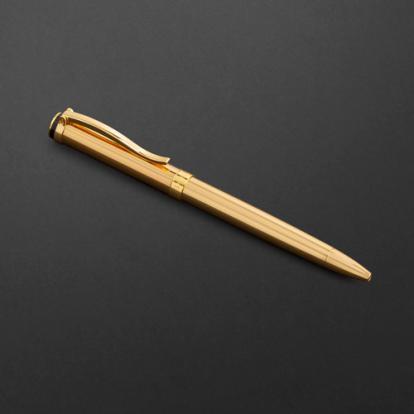 طقم قلم وكبك الدهنج D2128GG