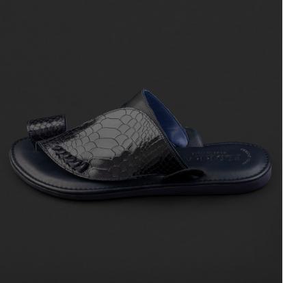 حذاء شرقي نقشة جلد ساق النعام كحلي GN156