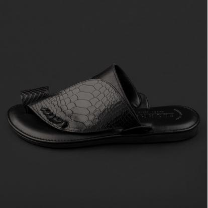 حذاء شرقي نقشة جلد ساق النعام أسود GN156