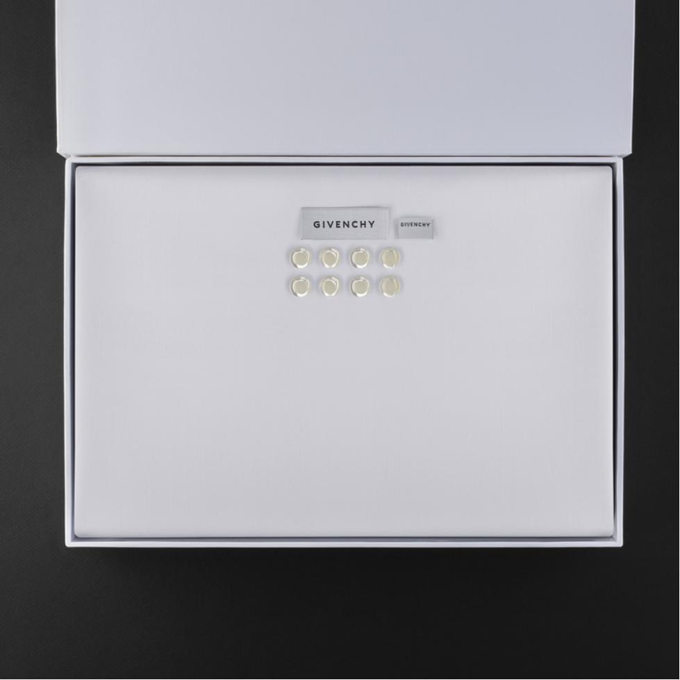 قماش جيفنشي أبيض G9006W