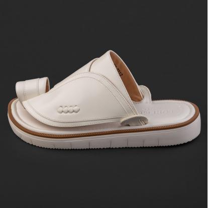 حذاء شرقي كلاسيكي أبيض 2212