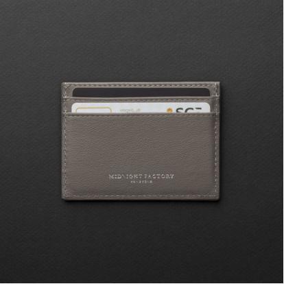 محفظة بطاقات ميدنايت فاكتوري 18CH03