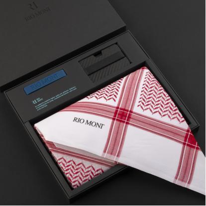 شماغ ريومون أحمر مع محفظة بحزام أسود / أزرق