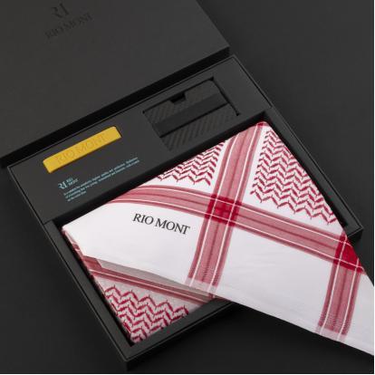 شماغ ريومون أحمر مع محفظة بحزام أسود / أصفر