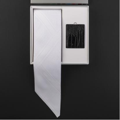 شماغ شاهين أبيض مع محفظة