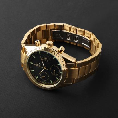 ساعة فيتور VT168M02