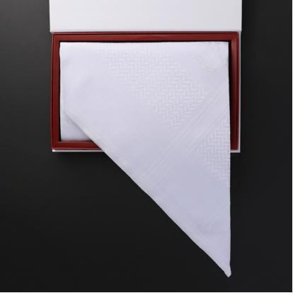 شماغ رسم أبيض الجديد RRA