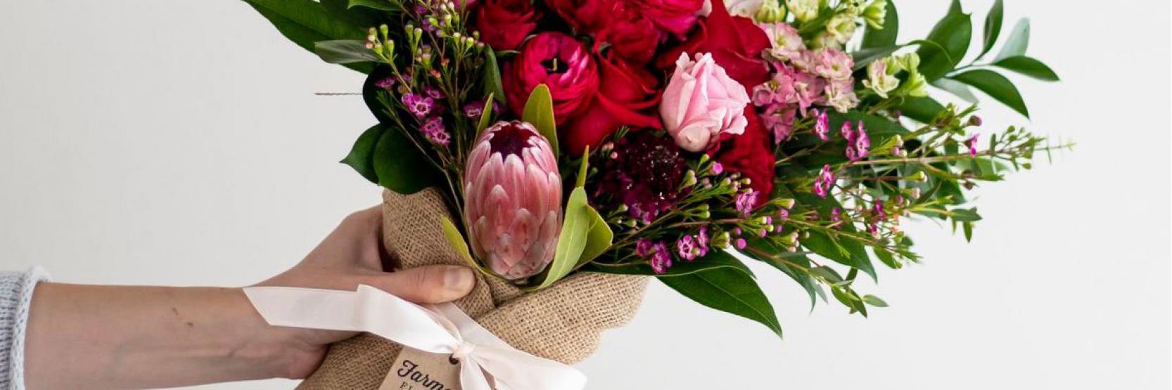 هدايا الورد..بسيطة بقيمة كبيرة
