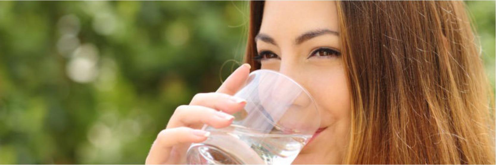 تسع حيل لشرب المزيد من الماء يومياً