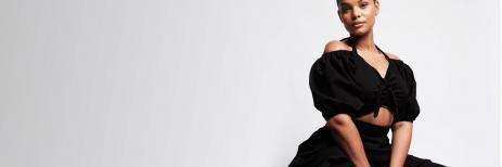 لمهووسي اللون الأسود.. كيفية تنسيق الملابس السوداء