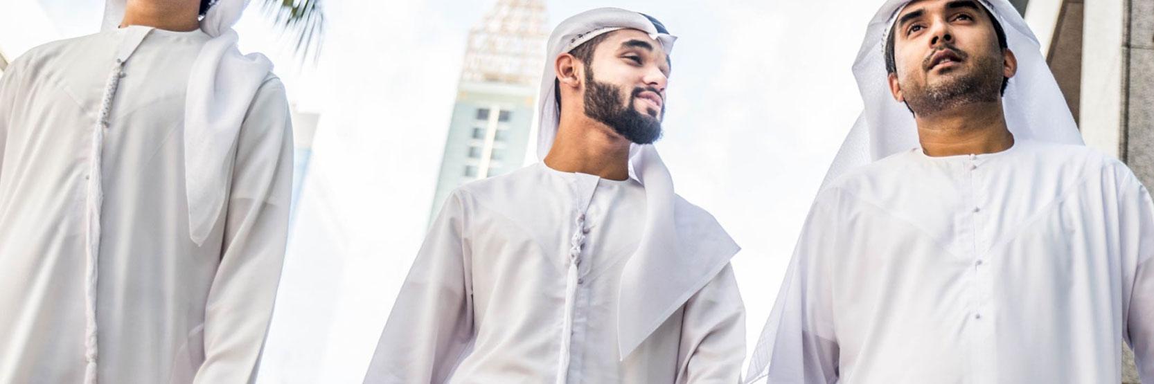 أنواع موديلات الثوب الإماراتي