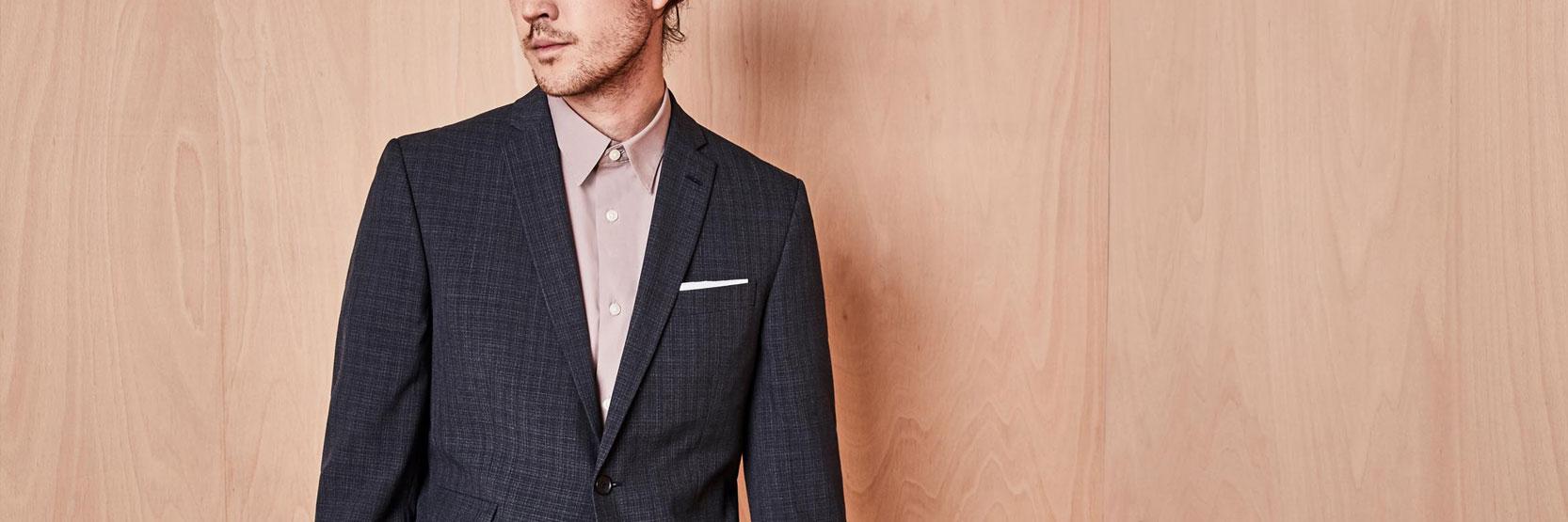 قواعد ارتداء البدلة بدون ربطة عنق