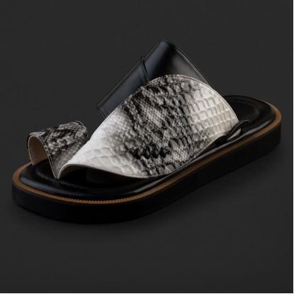 حذاء شرقي بنقشة جلد الثعبان - SS2000