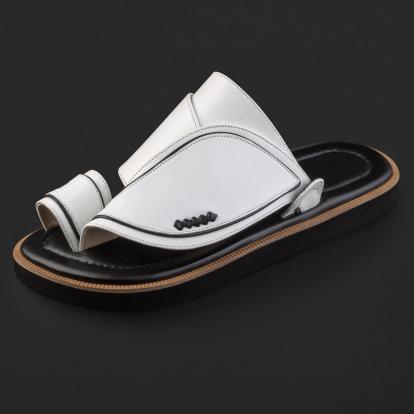 حذاء شرقي جلد كلاسيكي مخطط SE9101