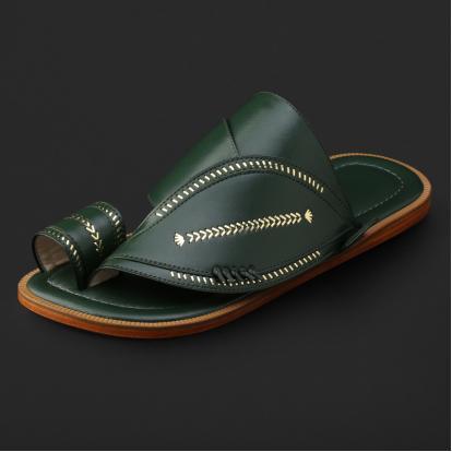 حذاء شرقي مطرز - SS11008