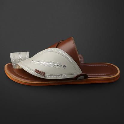 حذاء شرقي مطرز - SS11005