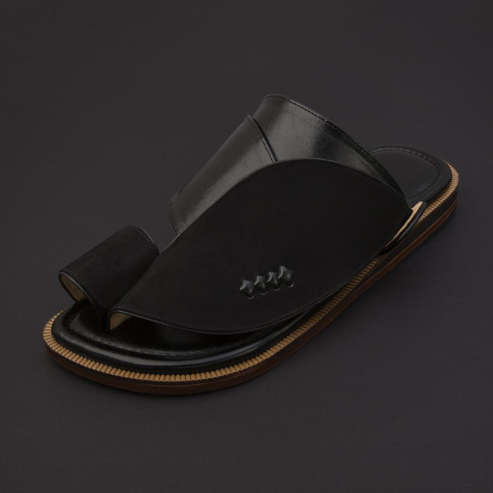 حذاء شرقي شمواه أسود SS1877