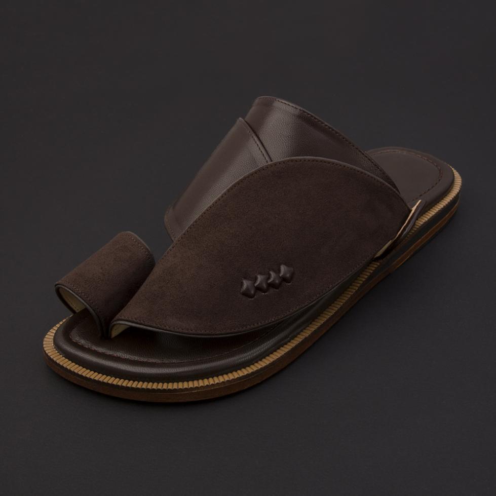 حذاء شرقي شمواه بني داكن SS1878
