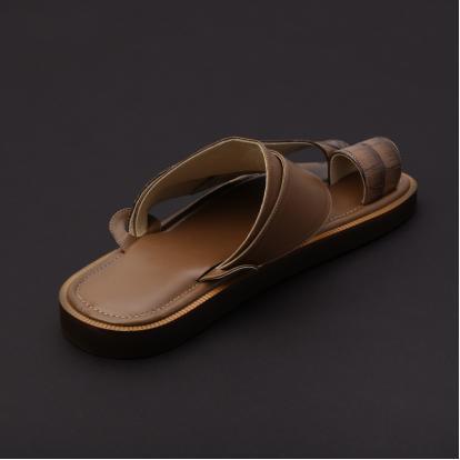 حذاء شرقي جلد بني MB11