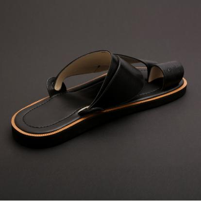 حذاء شرقي جلد نعام اسود  MG16