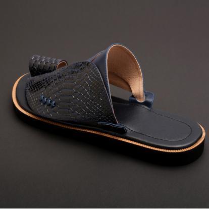 حذاء شرقي جلد تمساح MK20