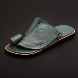 حذاء شرقي كلاسيك زيتي MS44