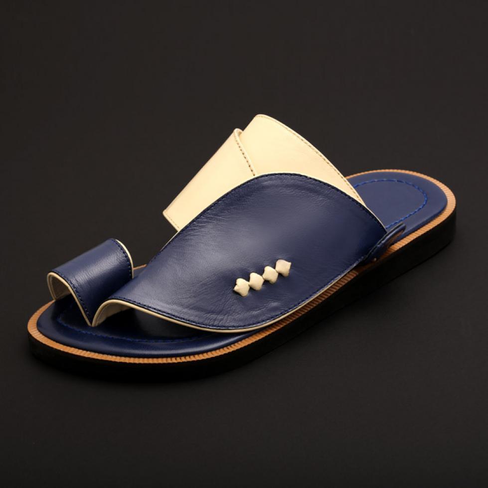 حذاء شرقي كلاسيك ازرق MX36