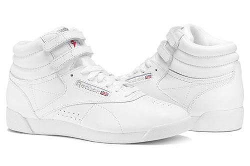 97f7b9e7b شكّل حذاء Freestyle من ريبوك علامة بارزة في مجال الأحذية الرياضية. كان هذا  الحذاء العالي الساق أول حذاء رياضي صمم خصيصاً للنساء، وحتى يومنا هذا لا  يوجد منه ...